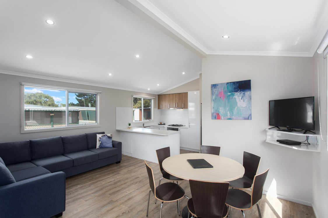 010_Open2view_ID560998-19_Bay_Rd__Victor_Harbor
