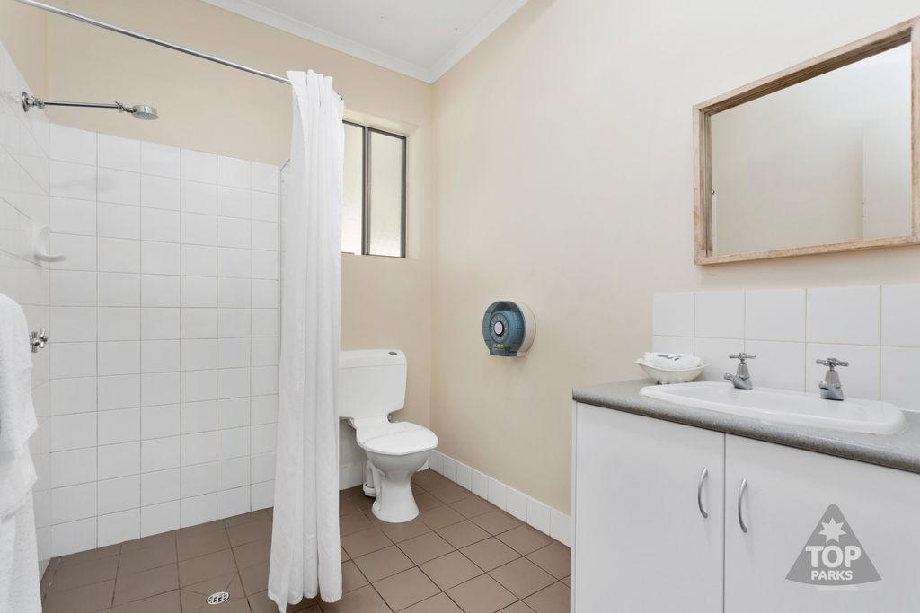 Granite Holiday Unit – 2 Bedroom – PET FRIENDLY 5