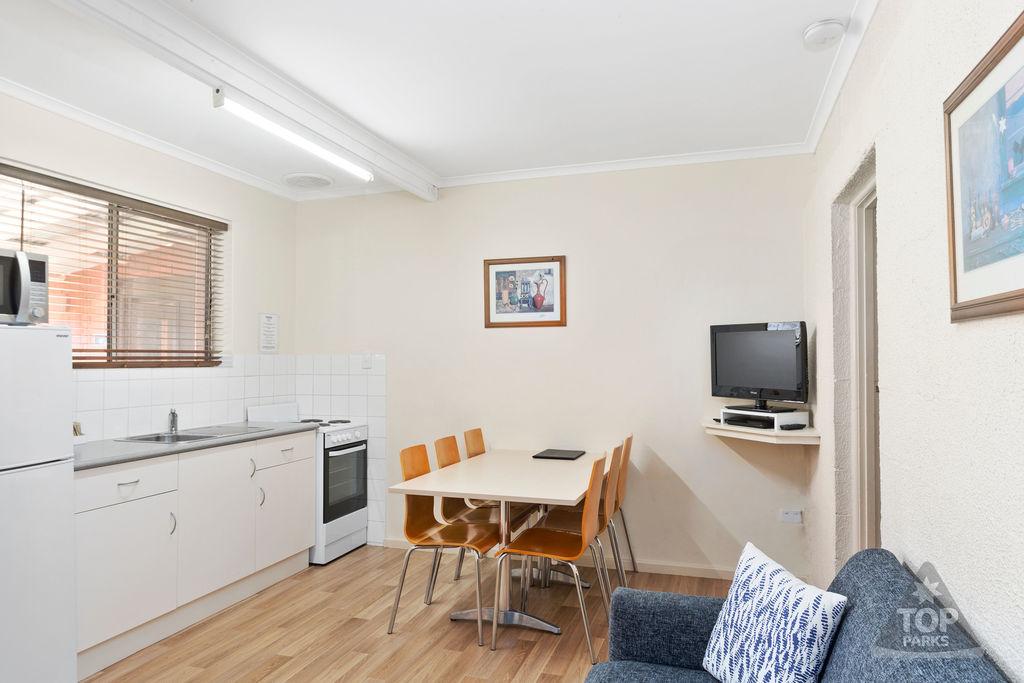 Granite Holiday Unit – 2 Bedroom – PET FRIENDLY 2