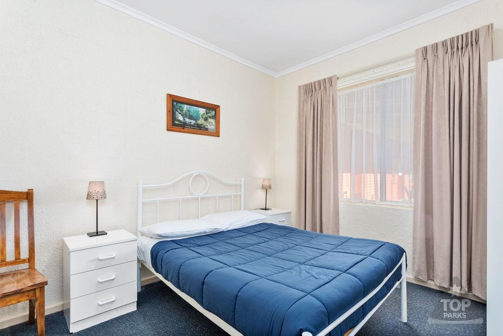 Granite Holiday Unit – 2 Bedroom