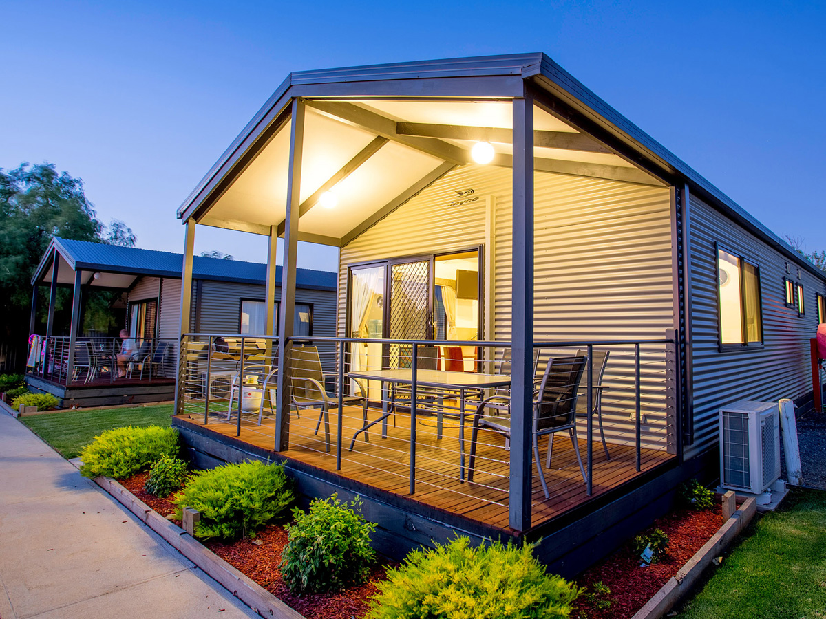 Victor harbor accommodation self contained cabins and units for Self contained cabin