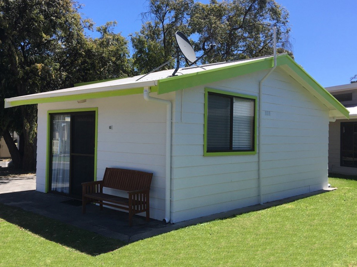 newland cabin victor harbor