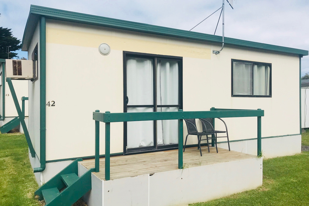 Budget Cabin - Pet Friendly - Victor Harbor Accomodation